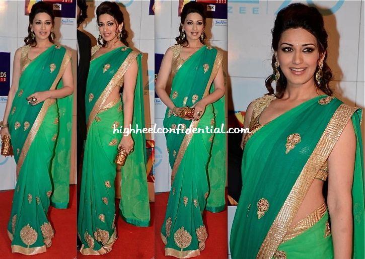Sonali Bendre At Zee Cine Awards 2013 in a Shantanu & Nikhil saree