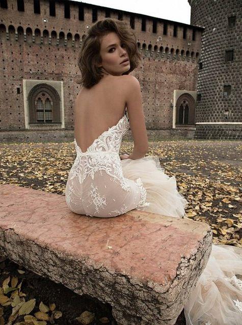 Liz Martinez #bride #bridesdress #bridal #wedding #weddingdress #weddinggown #couture #love #backless #backlessweddingdress #backlessbridesdress #backlessbridaldress #tailed #tailedweddingdress #tailedbridal