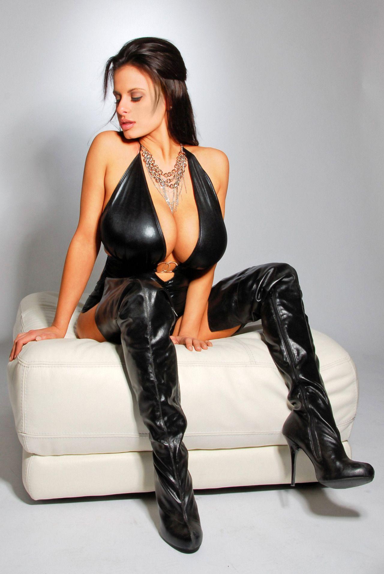 girls boots Hot wearing