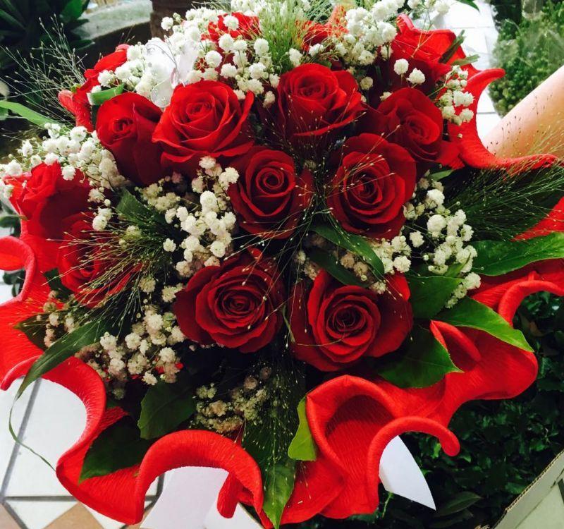 Ramo de rosas rojas para celebrar 15 meses de noviazgo - Ramos para regalar ...