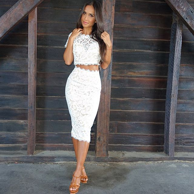 Love this amazing lace set from @whiterunway #whiterunway