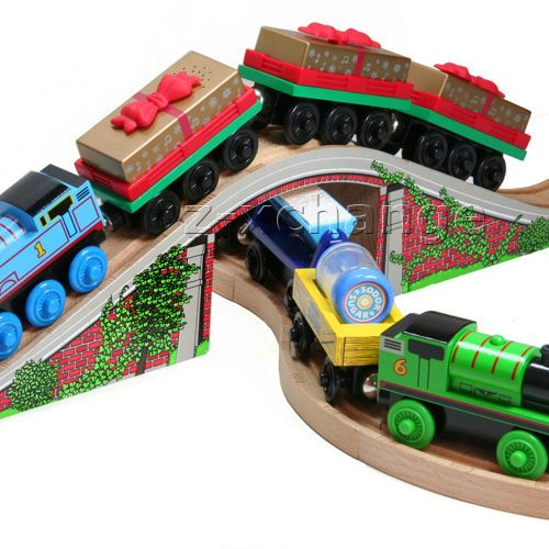 Like New THOMAS TANK WOODEN RAILWAY Bridge //Tunnel