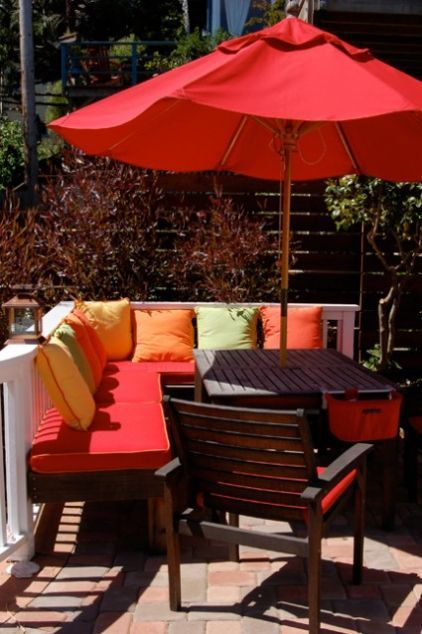 7 Striking Summer Color Combos For Your Outdoor Room Modern Patio Design Built In Seating Patio Design