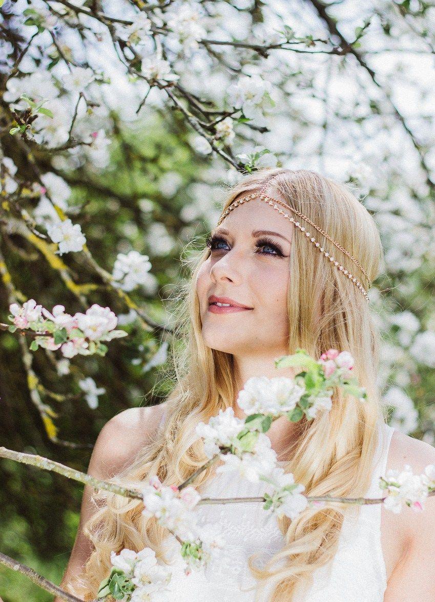 Cherry Blossom girls portrait I Herzmalerei