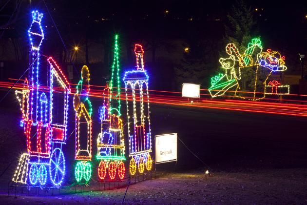 Annual Twin Cities Holiday Lights Guide. http://www.startribune.com/holidaylights