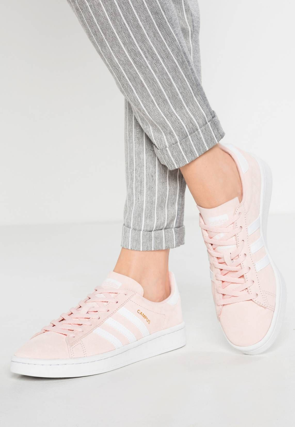 best sneakers fdf9c 7546d adidas Originals. CAMPUS - Sneaker low - icey pink white crystal white.  Sohle Kunststoff. Decksohle Textil. Innenmaterial Lederimitat Textil.