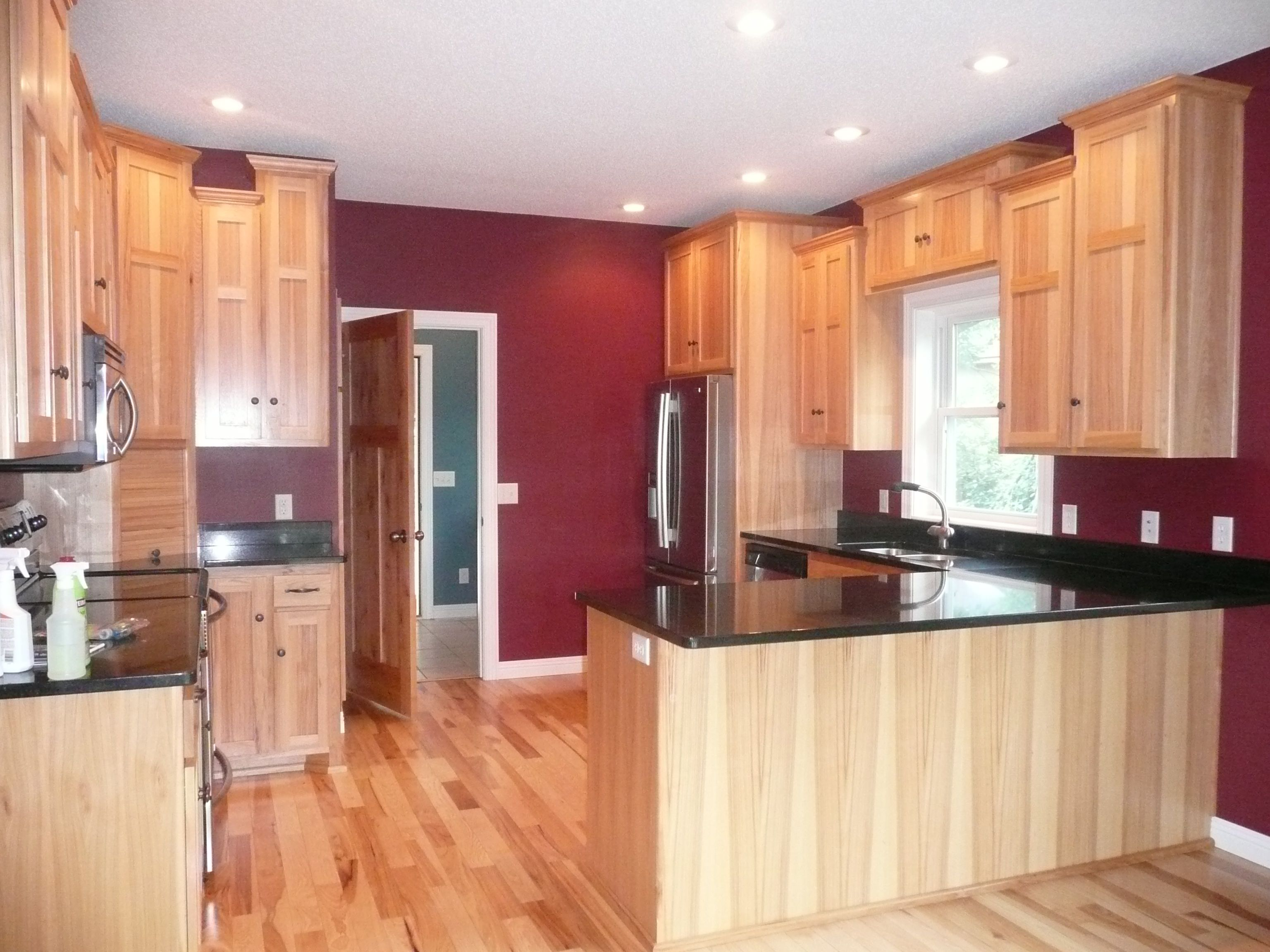 Kitchen Hickory Cabinets And Floor Granite Countertop