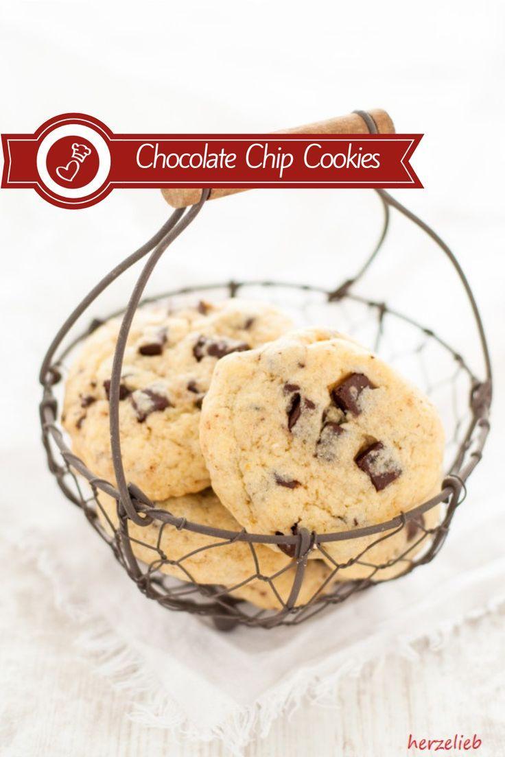 Chocolate Chip Cookies – Kekse mit hartgekochtem Ei im Teig Kekse Rezepte, Plätzchen Rezepte: Rezept für Chocolate Chip Cookies mit hartgekochtem Ei von herzelieb. Ein Rezept von Oma, dass nicht in Vergessenheit geraten darf. Innen weich und außen knusprig