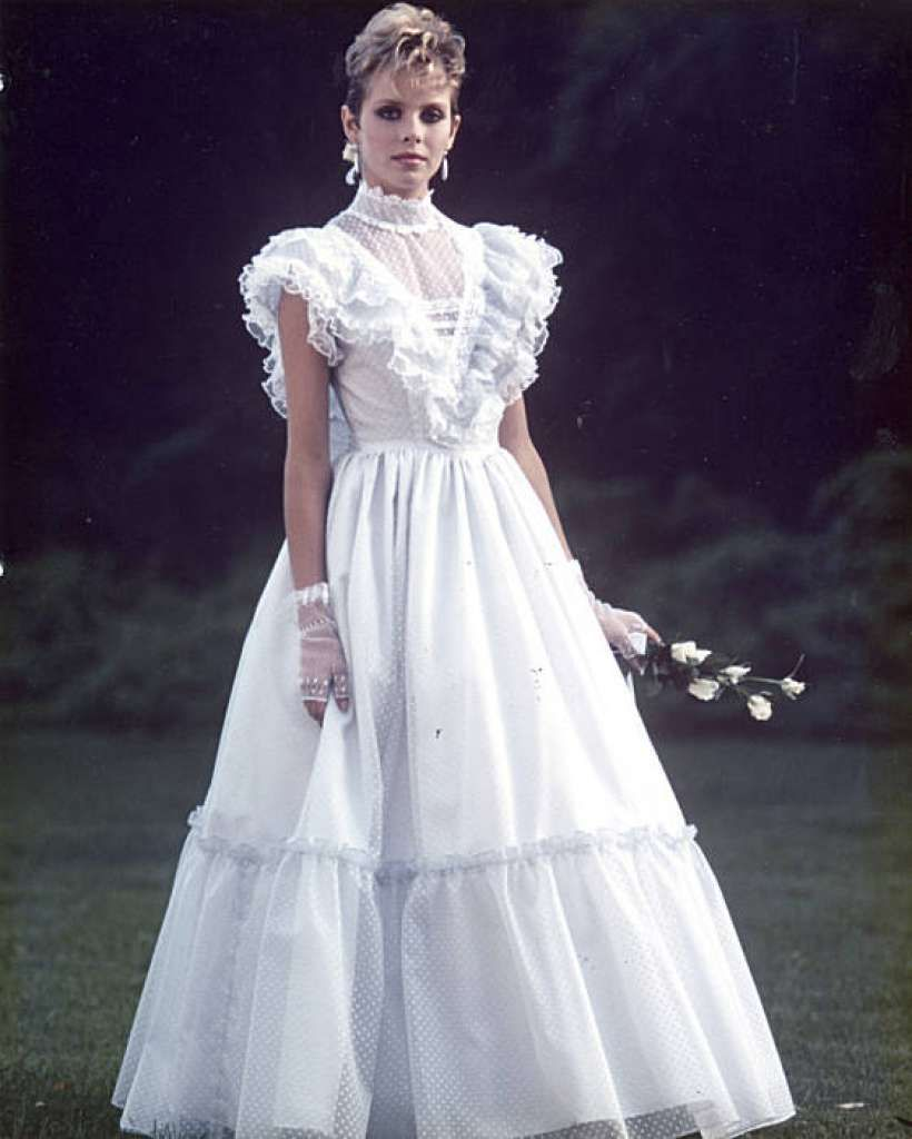 Vintage Wedding Dresses 80s: Quintessential Gunne Sax Dress From The Late 1970s To
