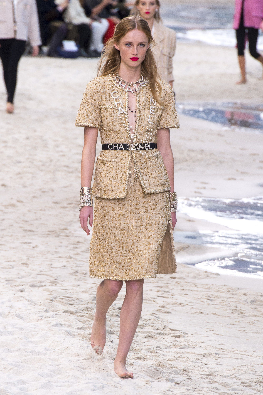 Chanel Spring 2019 ReadytoWear Fashion Show imagens