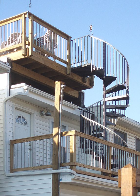 Best Spiral Staircases And Custom Design Staircases By The Iron 640 x 480
