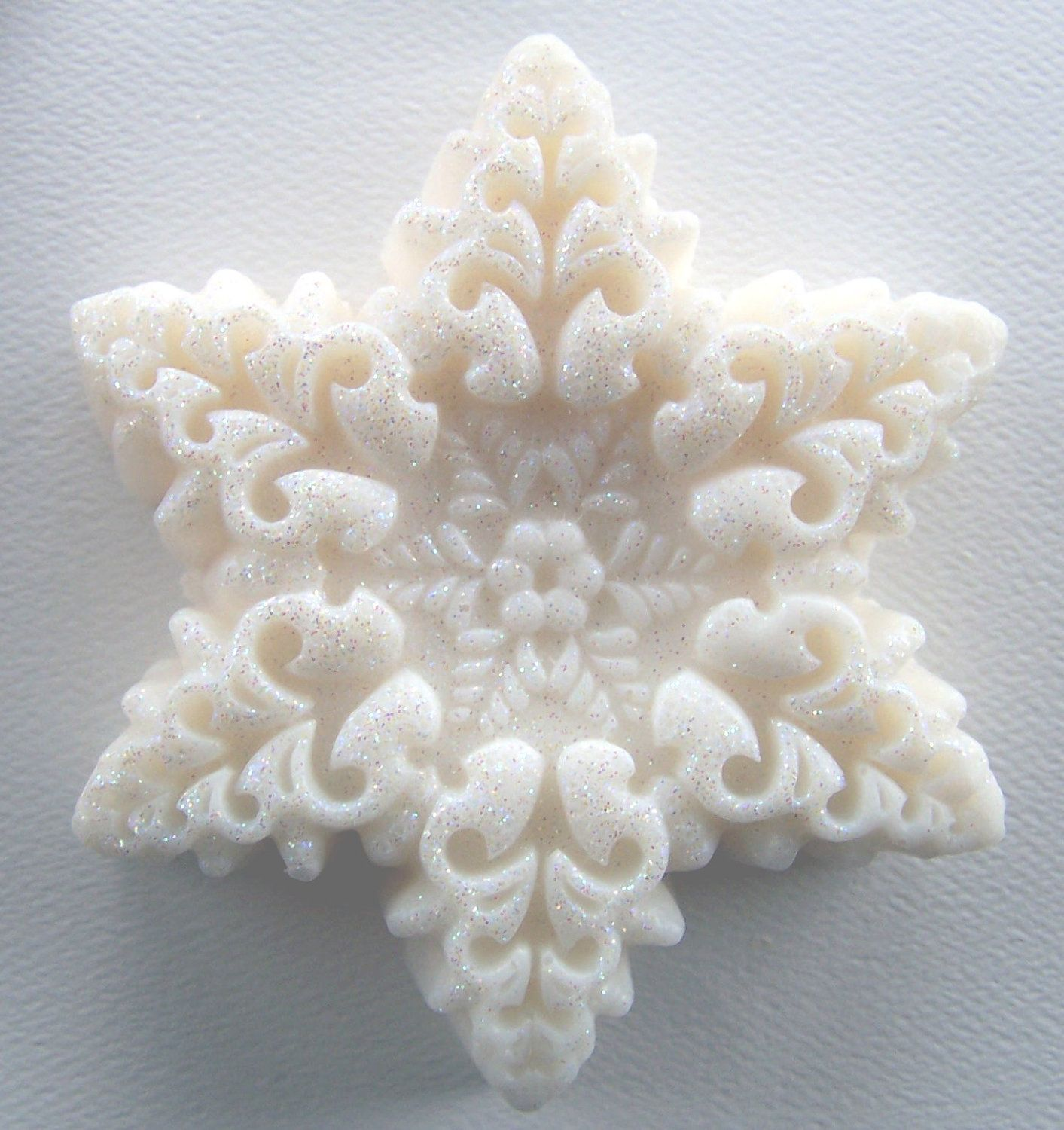 Six bars pack snowflake soap with glitter peppermint scent