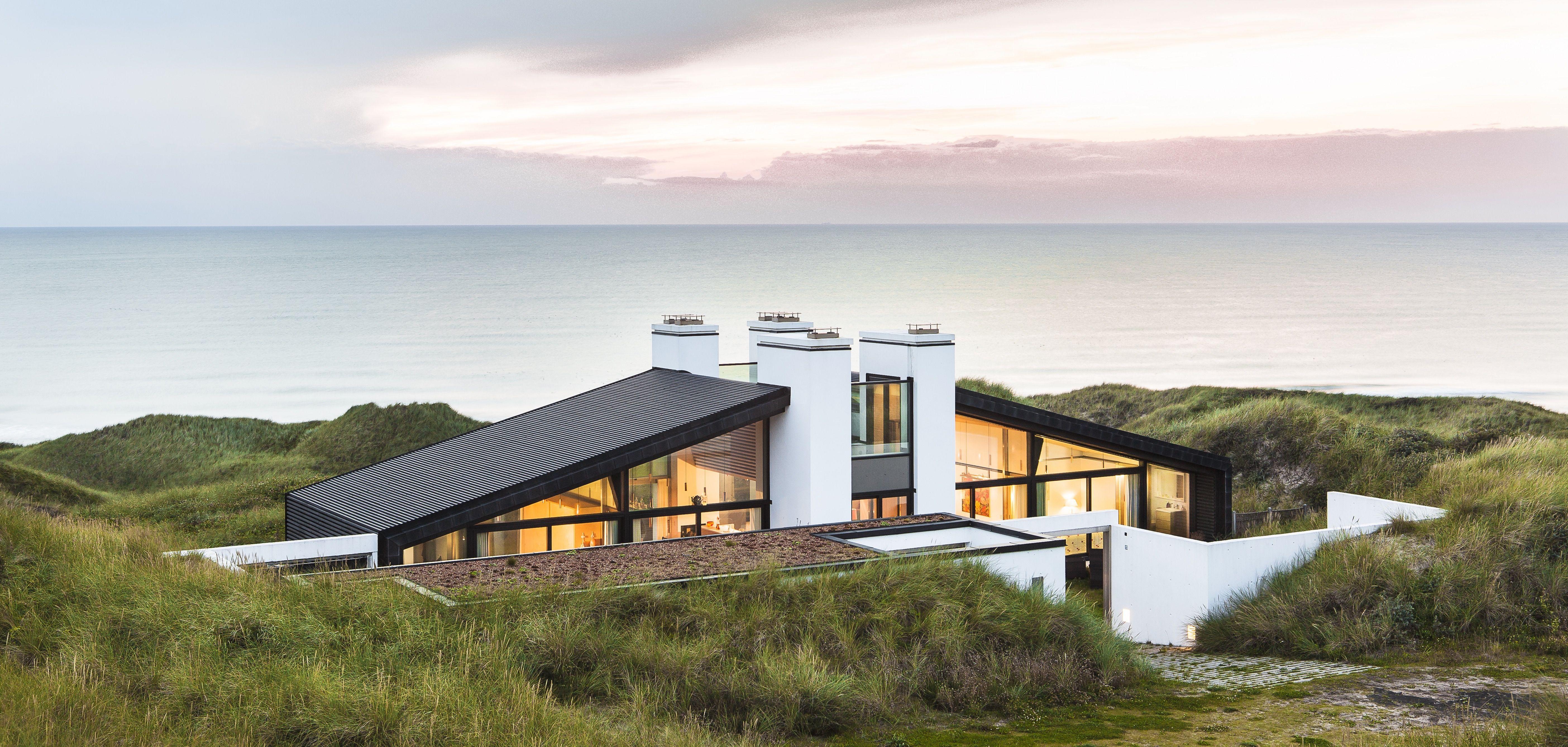 30 Gorgeous Scandinavian Modern House Designs For Perfect Living Ideas Dexorate Scandinavian Modern House Scandinavian Architecture House Designs Exterior