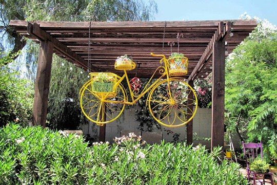 Upcycling Bikes Creative Diy Flower Planter From Old Yellow Bicycle