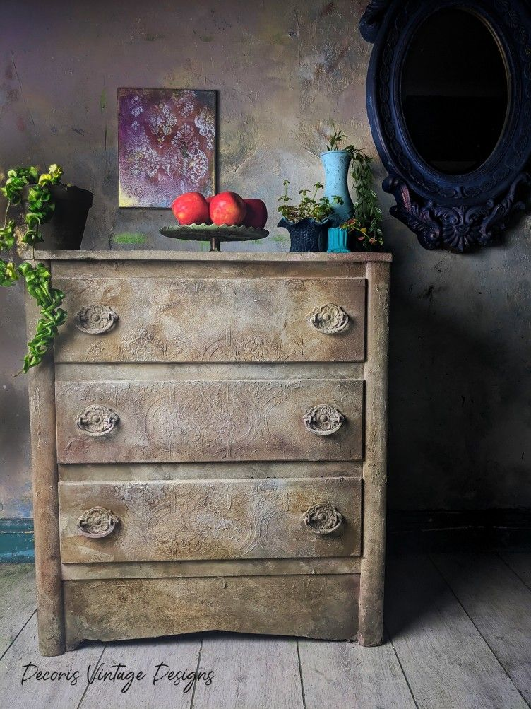 This piece has been hand painted in Dixie Belle's new Silk Range with Sea Salt for an old world textured look. I have also used Dixie Belle Mud underneath to create a rustic raised stencil #decorisvintagedesigns #handpaintedfurniture #dixiebelle #silkpaint #raisedstencil #farmhouse #countryhome #furnituremakeover #patina #saltspray #rustic #neutral #furnitureart