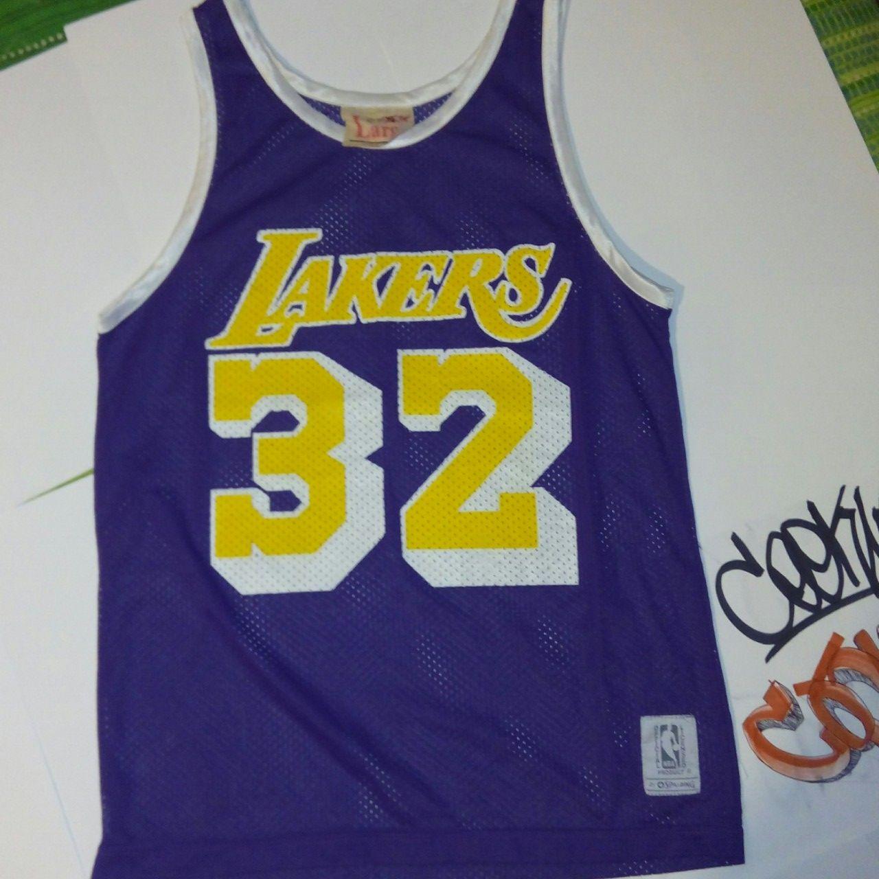 890b5f6a6 Lakers canotta Vintage Spalding magic Johnson molto rara taglia S..perfetta  anche per ragazze.. Ottimo stato.. Contattatemi per info..spedizione  compresa ...