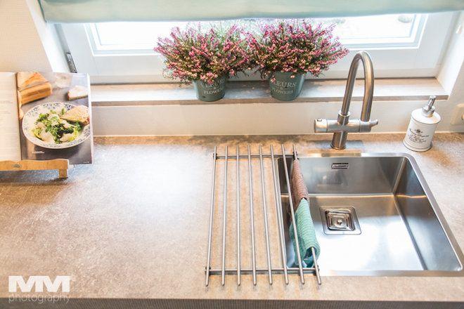 Kolejna Sprawa To Zlew Czyli Tak Naprawd Miejsce Na Szybkie Umycie Szklanki Warzyw Czy Nape Nienie Garnka Wod Czasy Dw Kitchen New Kitchen Kitchen Dining