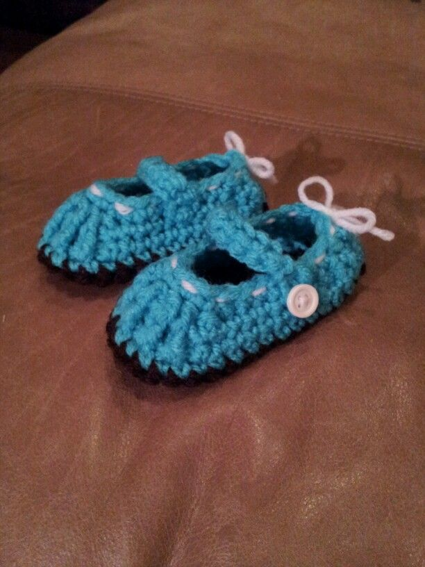 Torquoise baby booties!