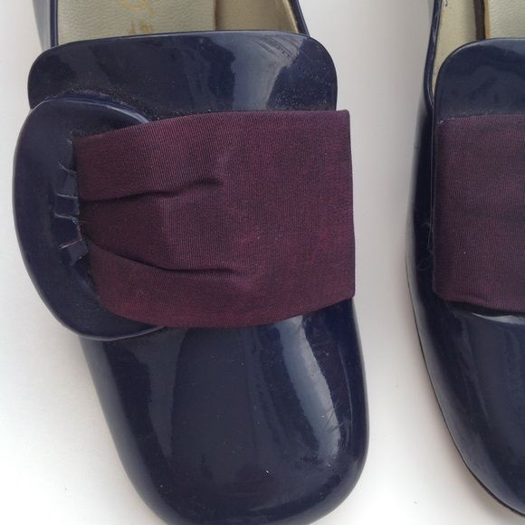 Nanette Imperials antique 1940-1950s navy shoe 6.5 1940s or 1950s estimated date on this pair. In good shape for age. Will need a bit of shoe or glove glue in lining and buckle area. Fantastic retro or colonial costuming. Check this closet for more used size 6 1/2 and size 7 shoes and boots. I am reselling shoes from my own closet and my mother's. If you are looking for new and designer shoes in all sizes and many styles, check my closet @ringleader. Orders from both closets can be combined…