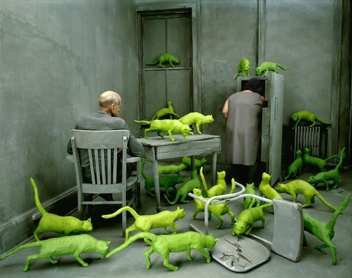 Sandy Skoglund, radioactive cats - 1999