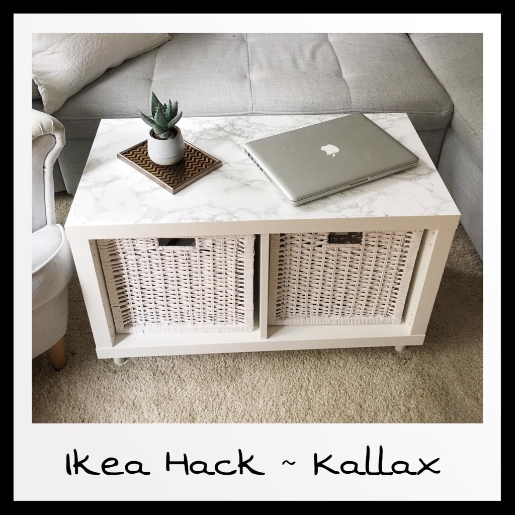 Wie ihr aus einem einfachen Kallax Regal einen stylischen Wohnzimmertisch baut, erfahrt ihr in diesem Blitz Ikea Hack auf meinem Blog! #ikeakinderzimmer