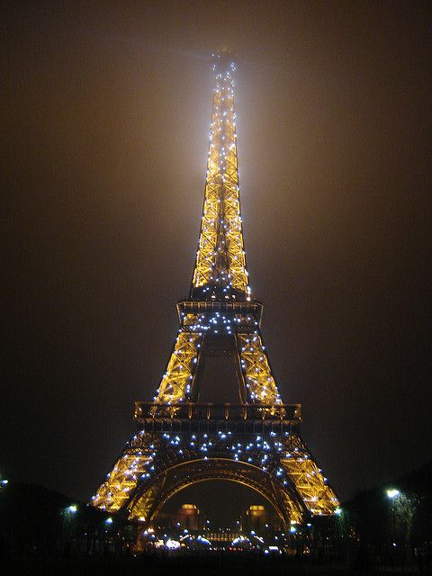Eiffel Tower with Christmas Lights   Places of my dreams ...