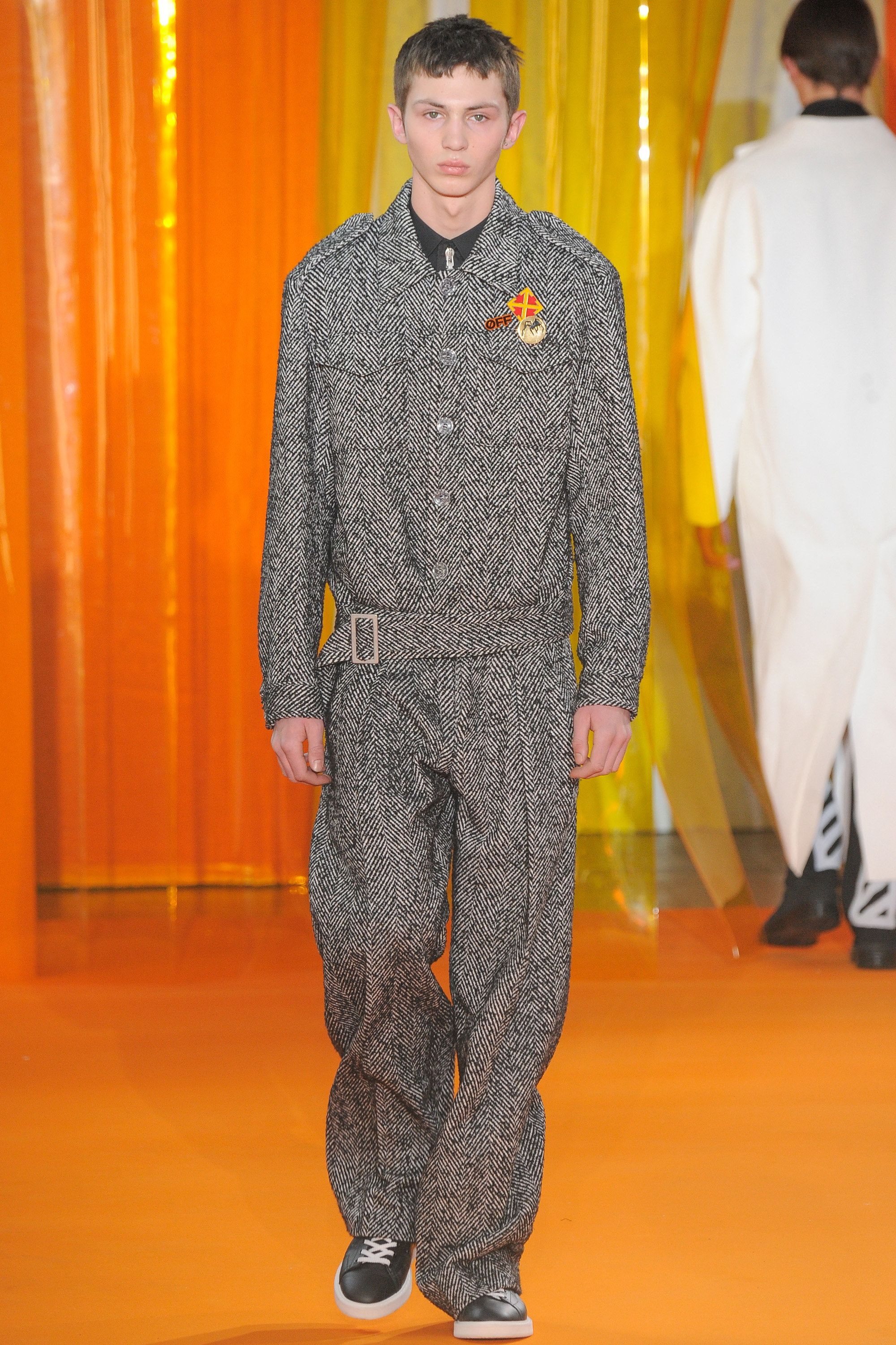 See the complete Off-White Fall 2016 Menswear collection.