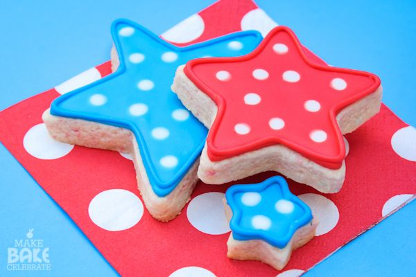 Royal Icing 101: This blog is full of very helpful tips and tricks to make the perfect Royal Icing to cover your decorated cookies