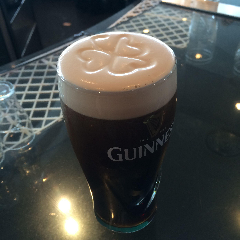 Four Leaf Clover Guinness At The Sky Bar In Dublin Ireland Dublin Sky Bar Old Bar