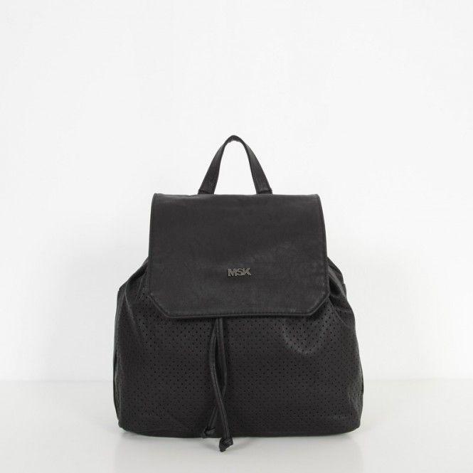 d8bb3ab77 La #mochila FILO negra de #Misako es una backpack de estética #minimal  confeccionado