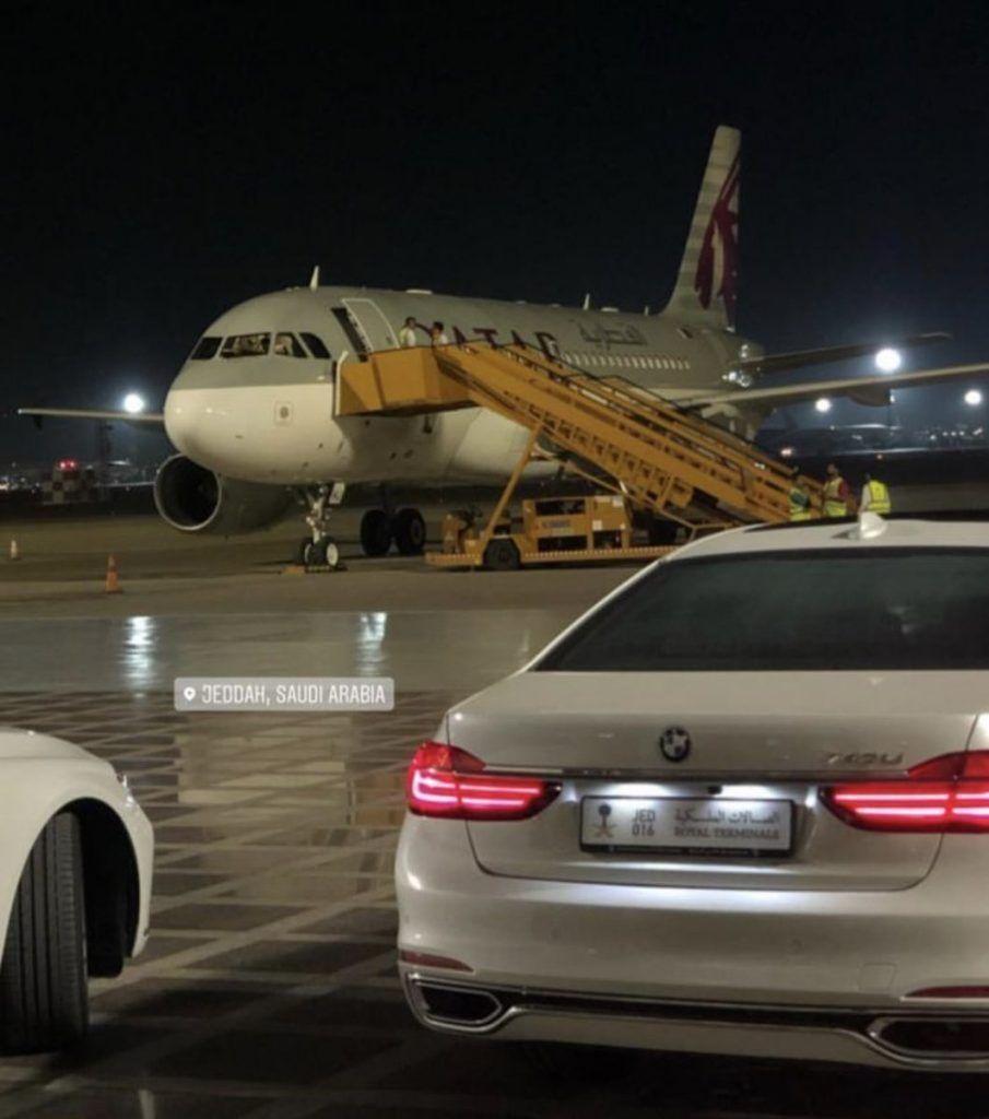 بعد هبوط طائرة أميرية في جدة كاتب سعودي فرصة ذهبية لأمير قطر لتحقيق الاختراق المطلوب Passenger Jet Aircraft Passenger