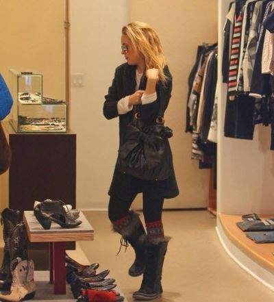 Kate Hudson In Cate The Great Sorel Boots