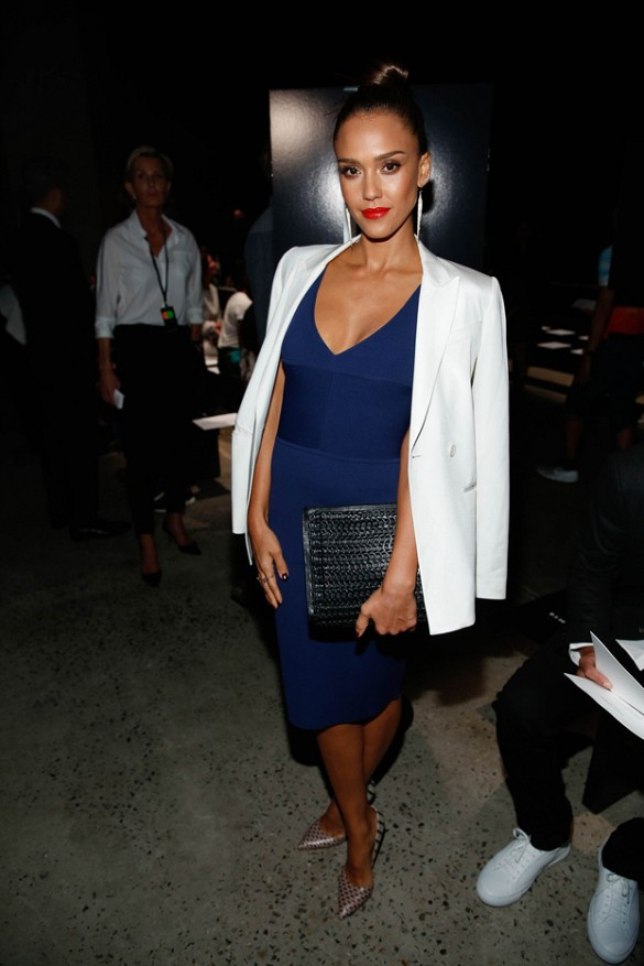 34bf7466a7 Celebrity Outfit Ideas Straight From New York Fashion Week ...