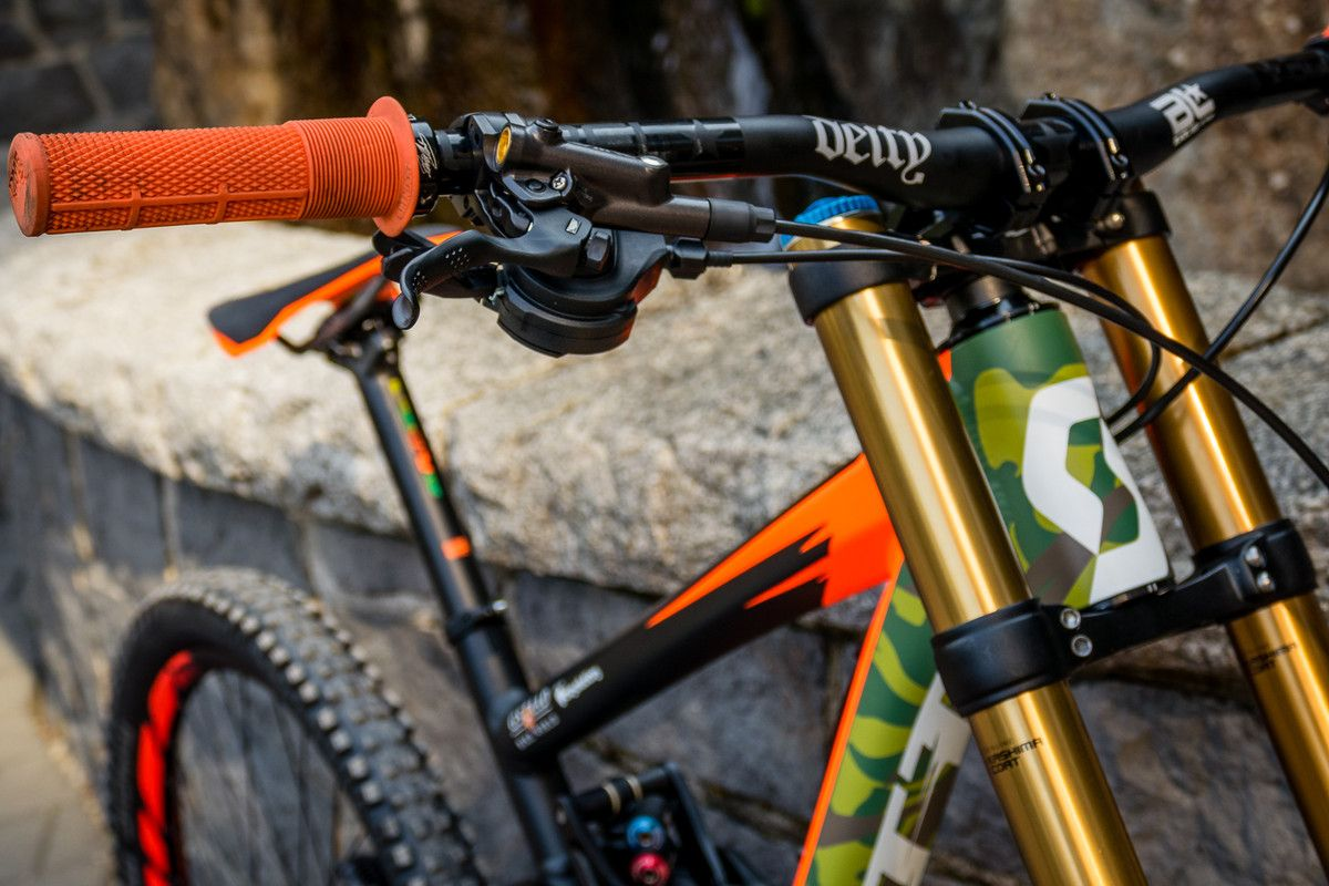 Pro Bike Check: Brendan Fairclough's Rampage Scott Gambler - Pro Bike Check: Brendan Fairclough's Rampage Scott Gambler - Mountain Biking Pictures - Vital MTB
