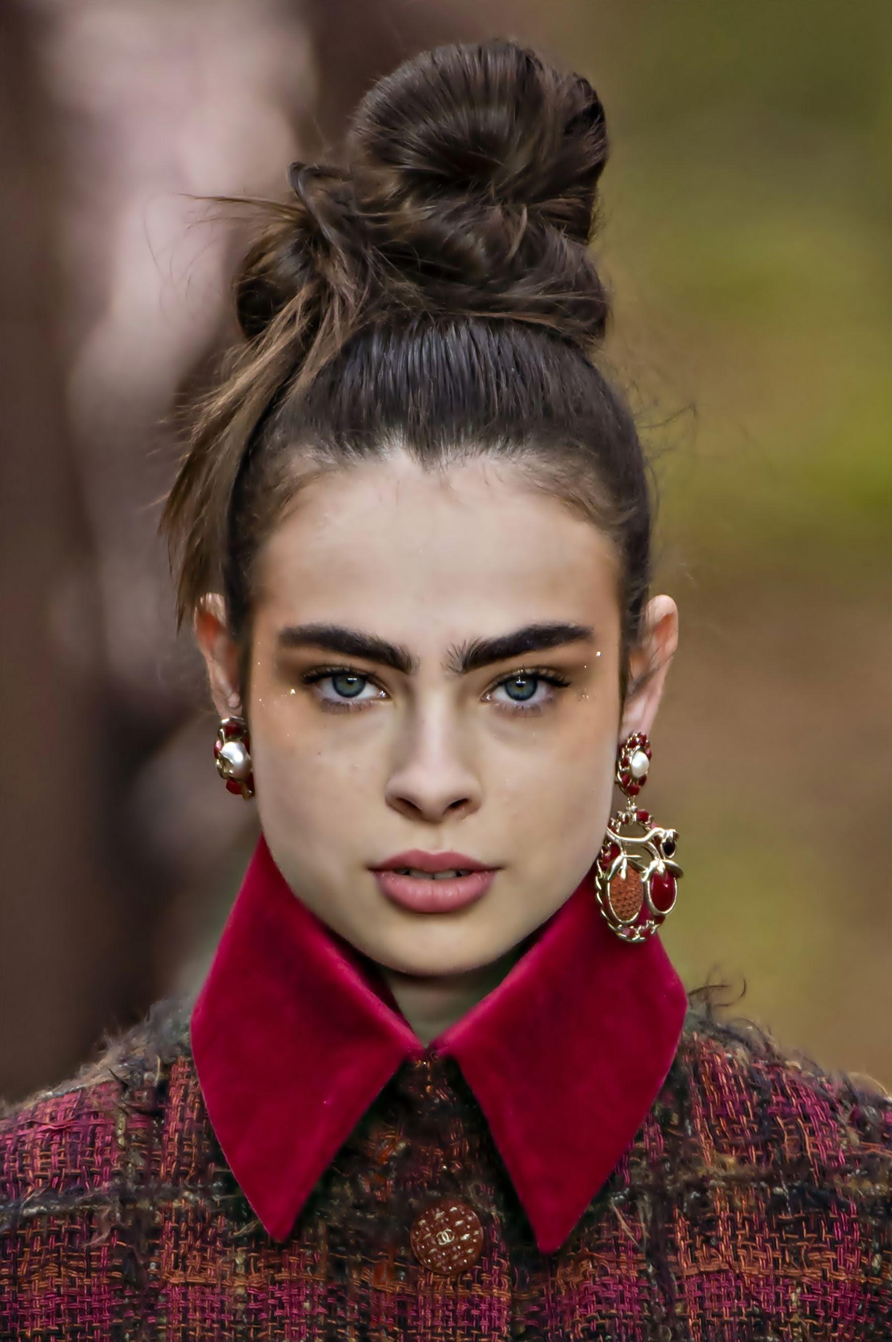 Макияж моделей на показе Chanel Pre-fall 2019