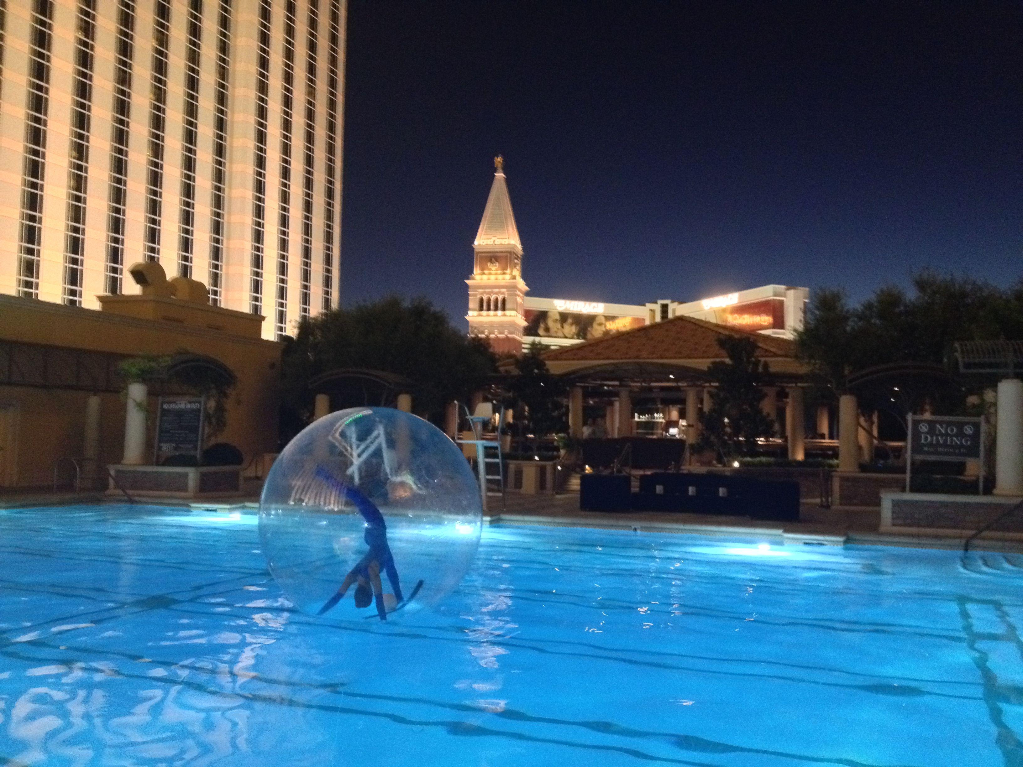 Venetian Hotel Pool - Bubble Ballet Girls
