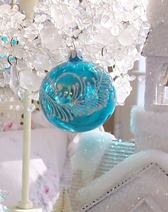 HOLIDAY INN GLASS CHRISTMAS TREE ORNAMENT AQUA BLUE SILVER ...