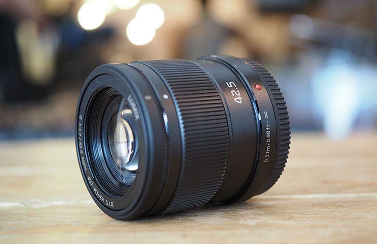 Panasonic Lumix 42 5mm F 1 7 Review By Gordon Laing At Www Cameralabs Com Panasonic Lumix Panasonic Camera Equipment