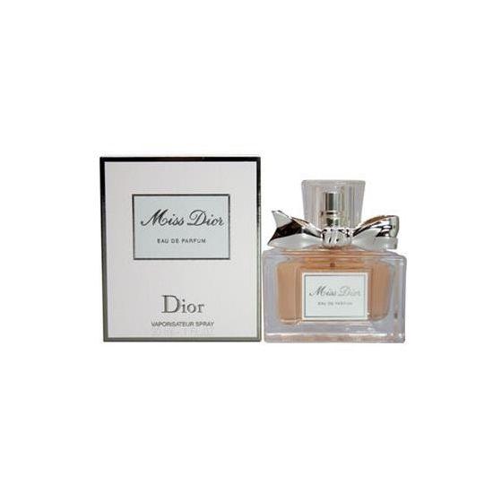 Miss Dior Eau de Parfum 30 ml. Dior parfum voor dames. Deze Miss Dior EDP heeft een inhoud van 30 ml.