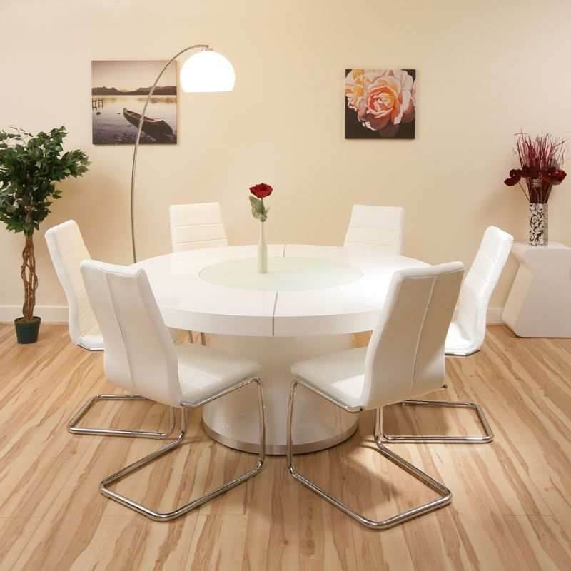 15 White Round Table Design Ideas For Extravagant Look Of Your