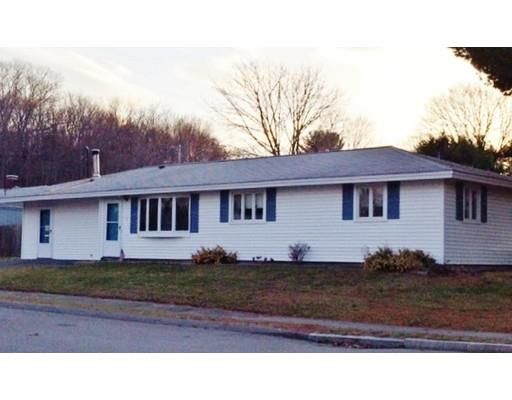 1 Rindge Rd, Beverly, MA 01915. 2 bed, 1 bath, $339,900. First showings at op...