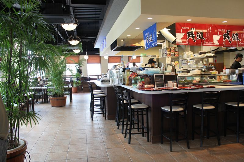 Kami Sushi Restaurant American Village Okinawa Hours It S Open Every Day Of