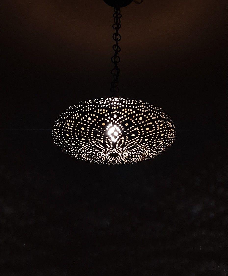 #readytoship Spectacular pendant light 💫 #pendantlights #pendantlamp #lightfixture #chandelier #light #lamp #homedecor #interiordecor #lightingdesign #lightingdesigner 💫DM us for more details. Contact@moroccanlightingshop.com #morocco #moroccanvibes #moroccandecor #moroccanstyle