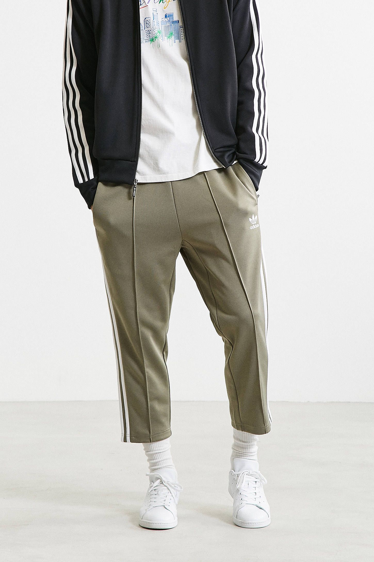 df994e465 Slide View  3  adidas Superstar Relaxed Cropped Track Pant