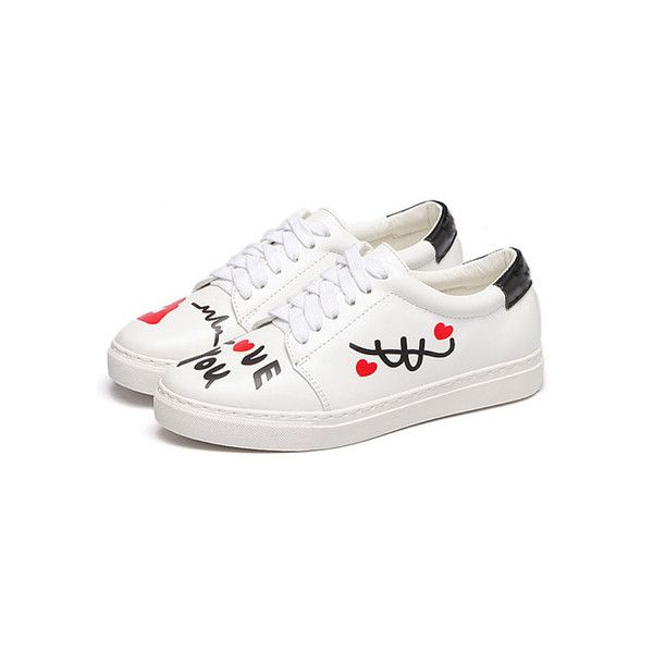 White Round Toe Print Sneakers (525 MXN) ❤ liked on Polyvore featuring shoes, sneakers, print sneakers, white trainers, round cap, white sneakers and print shoes