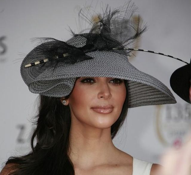 Traditional Hat Fashion The Kentucky Derby 2011 Has