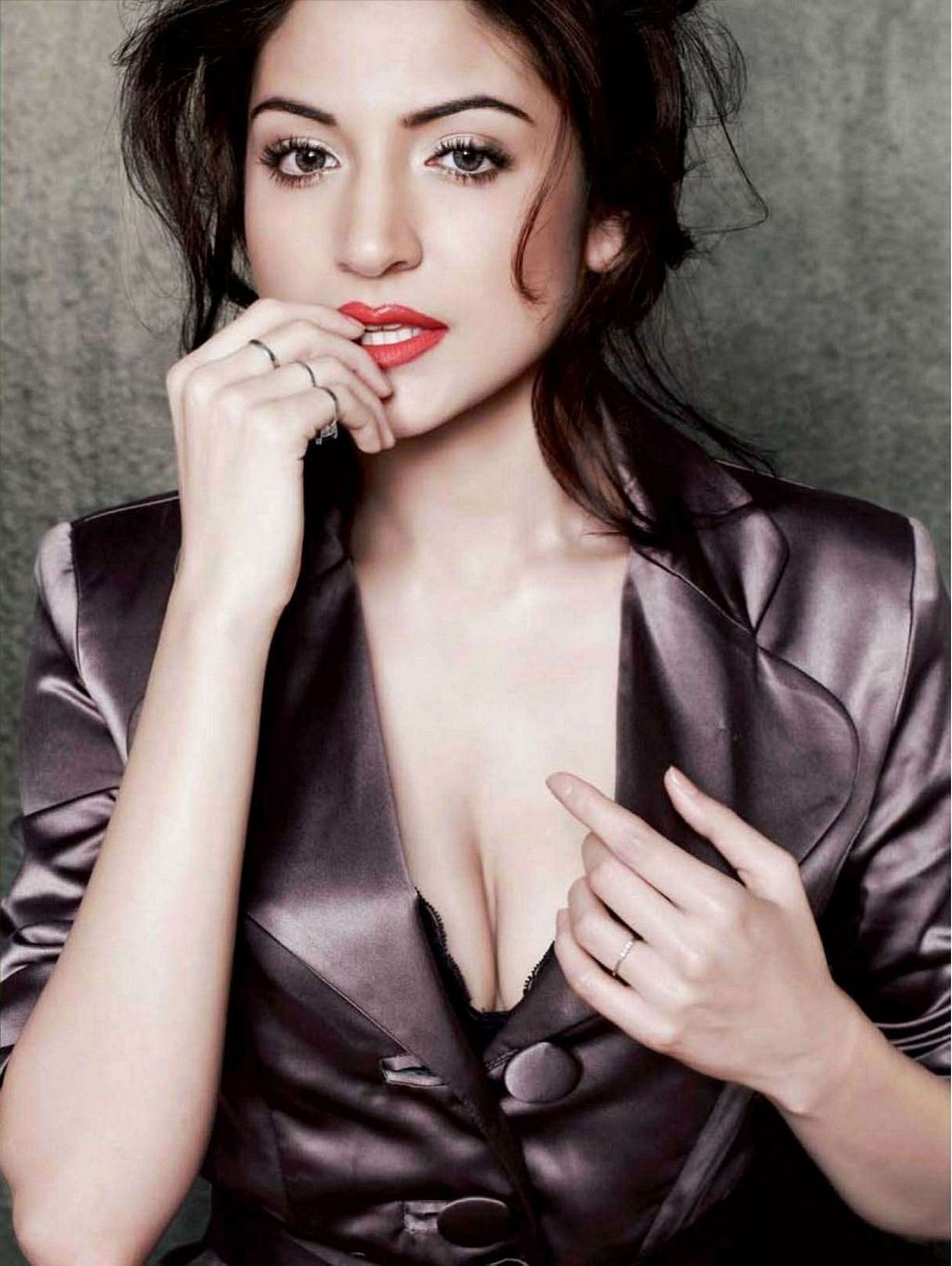 anushka sharma hot images & bold wallpapers hd pictures download