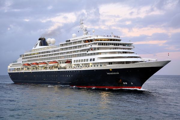 The MS Prinsendam at sea. | Holland america, Holland ...