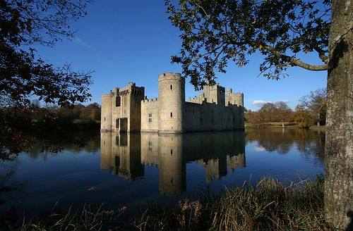 Bodiam Castle,It was built in 1385 by Sir Edward Dalyngrigge, a former knight of Edward III