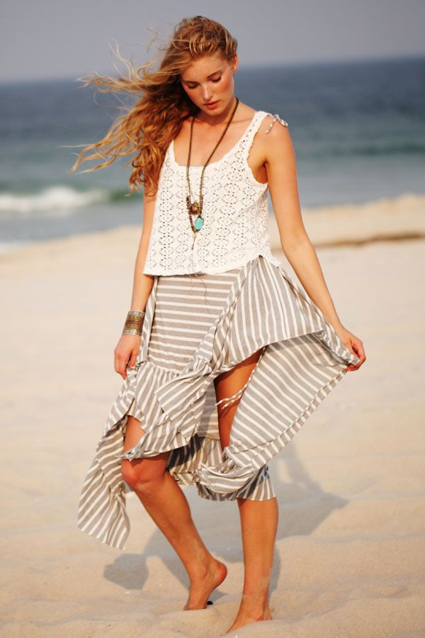 38 Clothes To Wear At The Beach 26